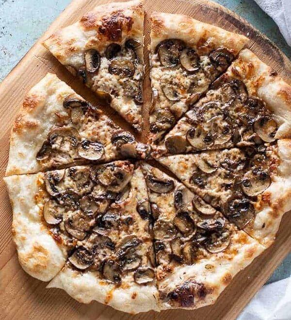 طريقة عمل بيتزا صيامي بالمشروم